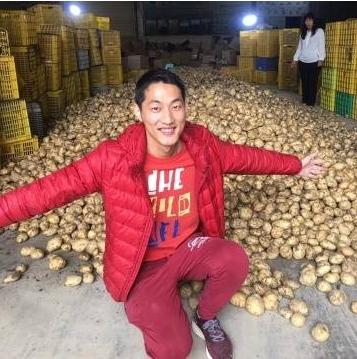 [新农机人] 冯健华:挑起马铃薯担子的90后