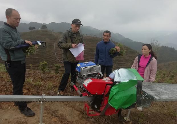 龙胜县农机中心领导调研指导农机化工作